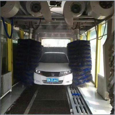 Sensores del coche en el túnel de lavado